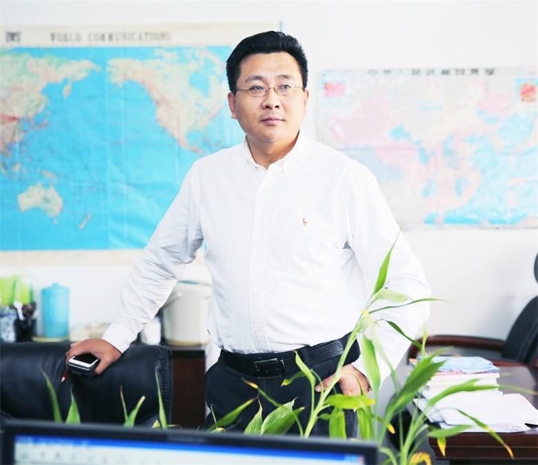 贝斯特全球最奢华老虎机平台会长冯泽