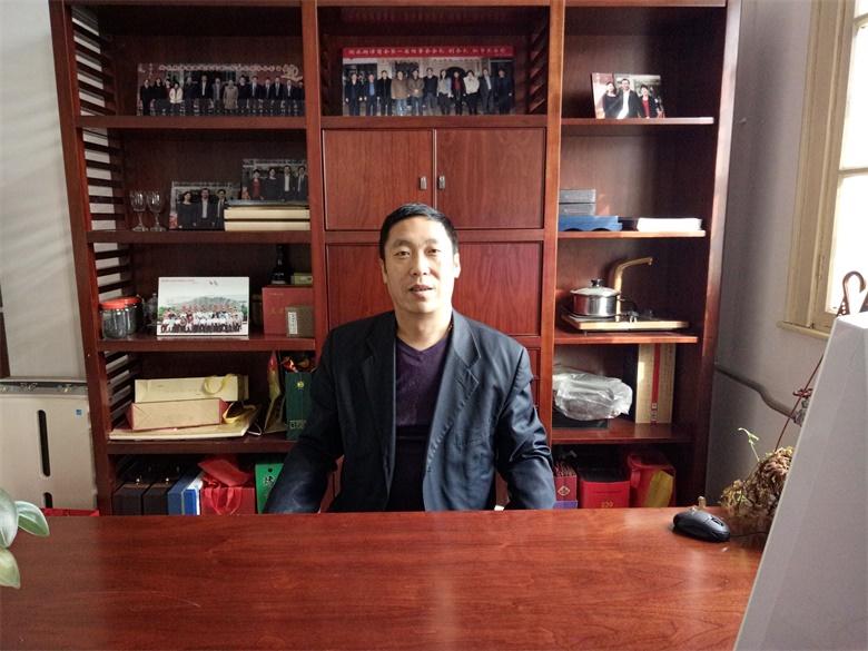 贝斯特全球最奢华老虎机平台副会长于连奎